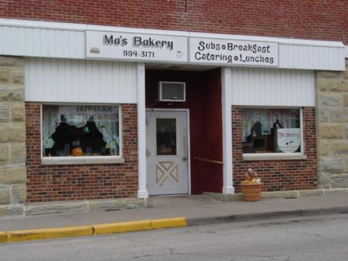 mas-bakery-outside